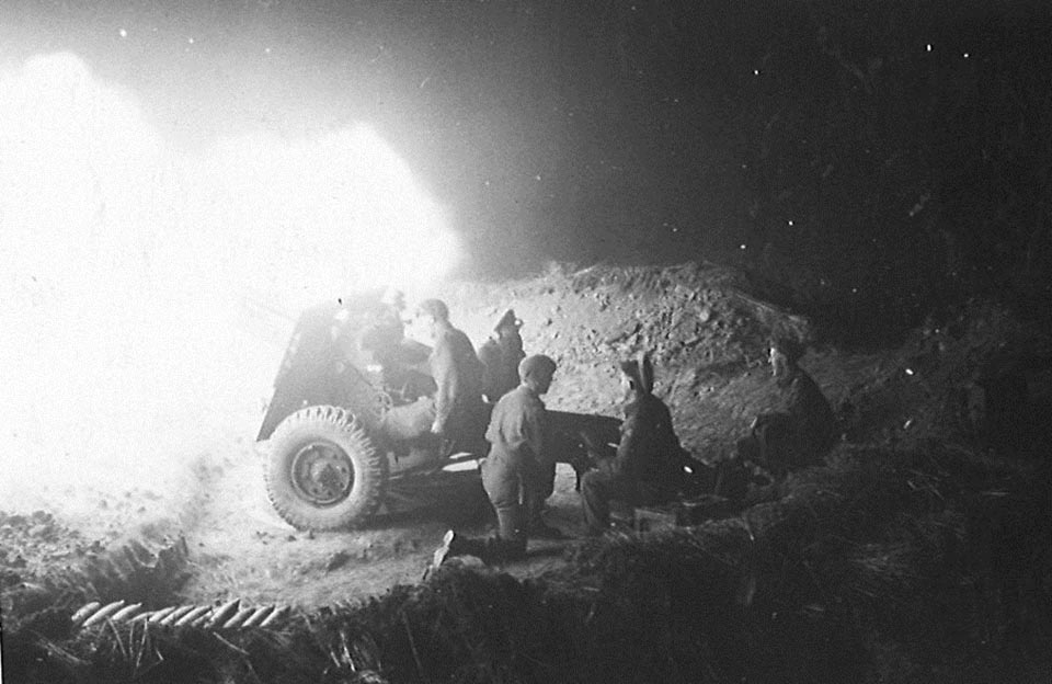 Night Firing 25 pdr- Gnr Marriner 12th Field