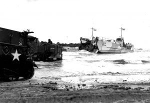 D-Day-landingcraft-Priest M7