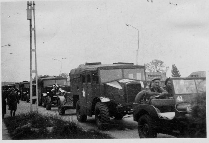 12th Field -on the move-Gnr-C-Stark WW2